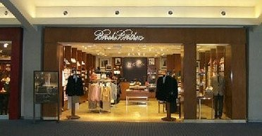 Welome to Brooks Brothers Outlet Store