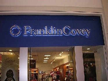 Entrance to Franklin Covey Outlet Store