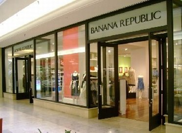 Banana Republic inside Crossroads Mall