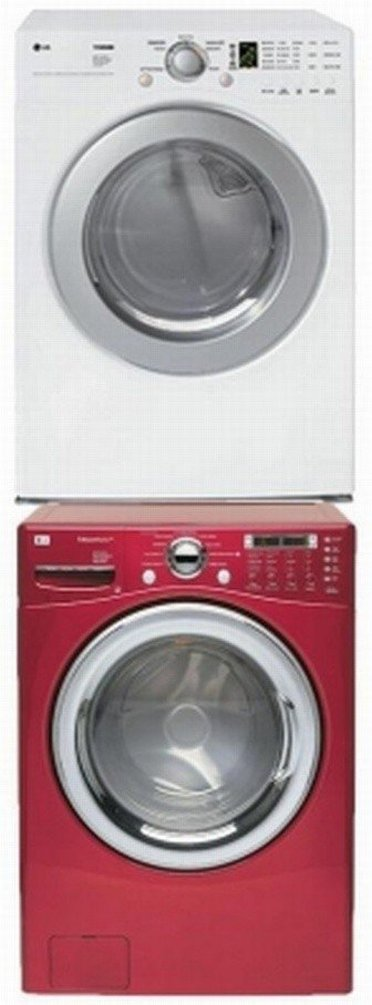 A red and a White washing machine inside a Sears Outlet Store